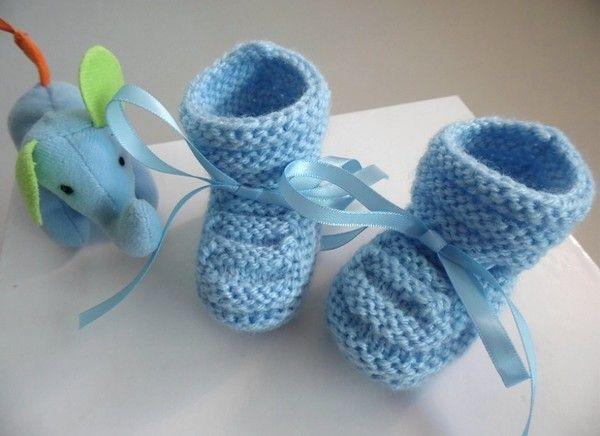 8da410bf02faf Chaussons bébé à bourrelet tricot laine bébé fait-main